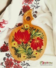 Деревянная разделочная доска из бука яблочко Тюльпан Петриковская роспись