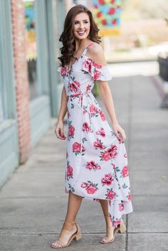 """""""Right To Romance Maxi Dress, Ivory"""" Girls Fashion Clothes, Girl Fashion, Fashion Outfits, Classy Outfits, Beautiful Outfits, Beautiful Women, Outdoor Wedding Guest Dresses, Moda Floral, Special Dresses"""