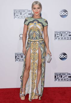 American Music Awards 2015 : les looks du tapis rouge Vanity Fair, One Direction, American Music Awards 2015, Julianne Hough, Celebs, Celebrities, In Hollywood, Fashion Details, Nice Dresses