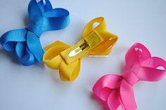 Kit com 3 Mini Lacarotes Tic Tac Ribbon Hair Bows, Diy Hair Bows, Baby Girl Hair Accessories, Hair Bow Tutorial, Baby Hair Clips, Baby Bows, How To Make Bows, Diy Hairstyles, Tic Tac