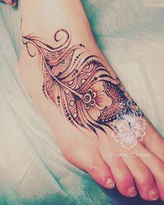 Henna Feather, Feather Tattoos, Henna Art, Hot Tattoos, Body Art Tattoos, Tatoos, Temp Tattoo, I Tattoo, Mehndi Designs