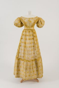 Evening dress ca. 1826From the Fashion Museum, Bath on Twitter