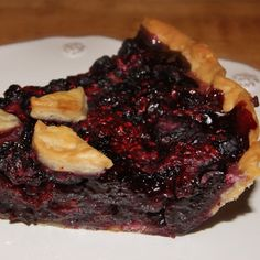 Triple Berry Pie Recipe from Grandmothers Kitchen. Pie Recipes, Great Recipes, Dessert Recipes, Cooking Recipes, Favorite Recipes, Triple Berry Pie, Berry Cobbler, Easy Sweets, Savory Tart