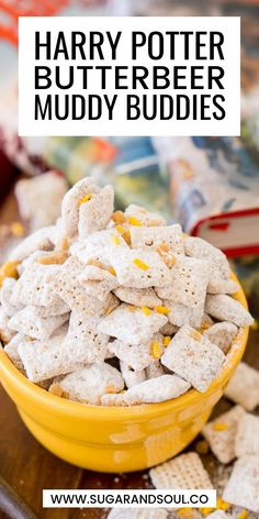 Harry Potter Butterbeer Muddy Buddies are made with rice Chex cereal, butterscotch, butter, toffee, and powdered sugar for a sweet and delicious snack! Harry Potter Snacks, Harry Potter Recipes, Harry Potter Butterbeer, Harry Potter Cupcakes, Chex Mix Recipes, Snack Recipes, Dessert Recipes, Cooking Recipes, Gastronomia