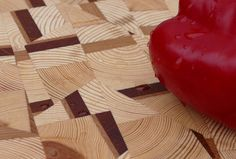 Modernist Style - Diverse  A modernist take of the end grain cutting board, consisting of a mixture of different woods from Scandinavian pine,