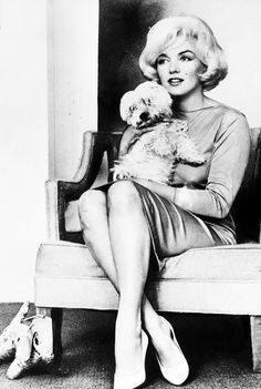 Marilyn Monroe 1961 with her pet dog Maf, a gift from Frank Sinatra