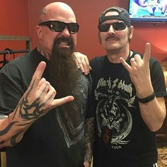Meanwhile at the SLAYER Show on the 30th Anniversary of Reign In Blood - Kerry King & KING DIAMOND! ALL HAIL! \m/