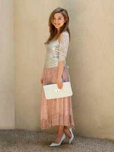 ヌケ感で魅せる夏のウエディング。「チヨノ アン」デザイナー、イェガー千代乃アンさんのお呼ばれスタイルをご紹介。