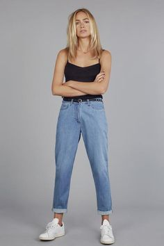 VILDNIS ethical Coogee boyfriend jeans with a slightly worn look and signature stitching. Made from a soft eco-friendly organic cotton fabric with a bit of stretch for better movement. Ethical Clothing, Ethical Fashion, Boyfriend Fit Jeans, Mom Jeans, Sustainable Looks, Sustainable Fashion, Fashion Group, S Models, Trousers Women