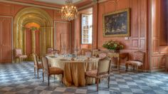 """""""Chateau de Villandry"""" Exterior Design, Interior And Exterior, Chateau Hotel, Dining Room, Dining Table, Places To Eat, Beautiful Homes, Palace, Centre"""