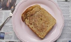 Felicity Cloake: Eggy bread, pain perdu, poor knights of Windsor … whatever you call it, french toast makes a simple and delicious breakfast. But do we over-egg it on this side of the Atlantic? Breakfast Snacks, Breakfast Bake, Breakfast Recipes, Egg Bread Toast, Toast Uk, Perfect French Toast, Toast Sandwich, Recipe Steps, Light Recipes
