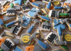 Tools and paint brushes Cookies Man Cookies, Cookies For Kids, Iced Cookies, Royal Icing Cookies, Sugar Cookies, Construction Party, Construction Cookies, Cupcakes, Cupcake Cookies