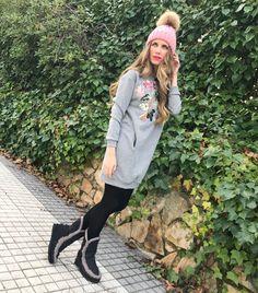 La guapísima actriz Vanesa Romero lo tiene claro: no hay nada mejor en invierno que llevar tus pies calentitos con unas MOU Boots. ¡Y encima quedan genial!, ¿verdad?  Consigue tu modelo favorito en Chercell.