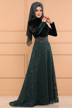 ABİYE Peplum Detay Kadife Abiye YGS6161 Zümrüt Abaya Fashion, Muslim Fashion, Fashion Dresses, Trendy Dresses, Nice Dresses, Hijab Dress Party, Abaya Designs, Indian Designer Outfits, Western Dresses