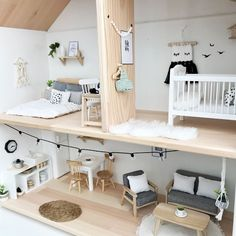 Pretty Little Minis - modern dollhouse furniture and decor for sale Niedliches modernes Puppenhaus v Modern Dollhouse Furniture, Barbie Furniture, Diy Dolls House Furniture, Ikea Dollhouse, Dollhouse Ideas, Dollhouse Dolls, Simple Furniture, Furniture Ideas, Furniture Movers