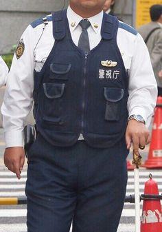 本当に可愛い警察官のチンボ