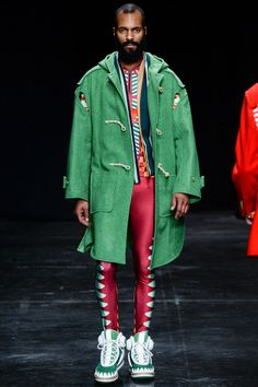 See all the Collection photos from Walter Van Beirendonck Autumn/Winter 2014 Menswear now on British Vogue Mens Fashion Week, Fashion Show, Fashion Design, Male Fashion, Paris Fashion, High Fashion, Vogue Paris, Walter Van Beirendonck, Duffle Coat