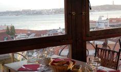 Restô do Chapitô. Ambiente agradável. Excelente vista sobre Lisboa e o Tejo