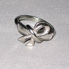 Vintage Avon Ring Silver Bow by JoycesJunqueNJewels on Etsy, $7.00