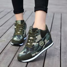 Women sneakers canvas shoes fashion camouflage high to help increase women shoes High Heel Sneakers, Sneaker Heels, Green Sneakers, Trendy Shoes, Casual Shoes, Fashion Boots, Sneakers Fashion, Kawaii Shoes, Mode Shoes