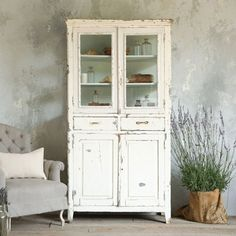 Bon Hutche   Vintage Cabinet In Chipping Cream Paint   At Eloquence