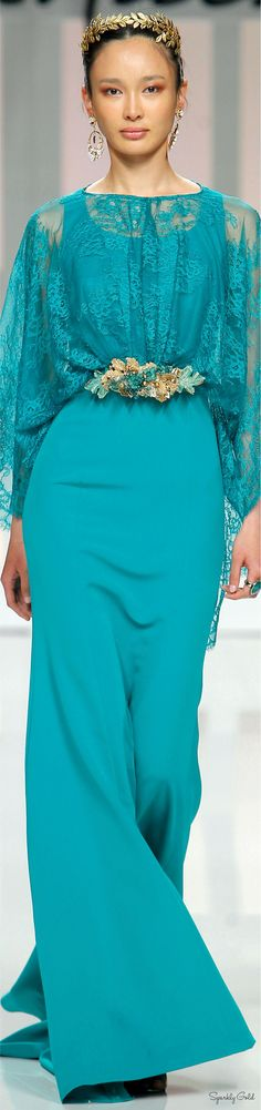 Turquoise lace skirt and blouse. Couture Fashion, Fashion Show, Fashion Design, Fashion Trends, Mode Orange, Style Work, Turquoise Fashion, Evening Gowns, Beautiful Dresses