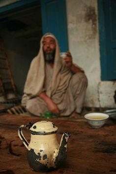 Join me for tea in Peshawar, Pakistan. (V)