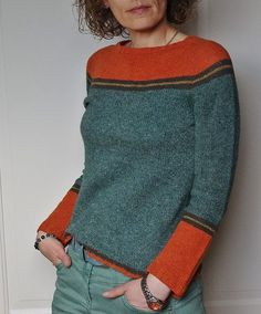 Knitting Patterns Pullover Socks left: red wool, main part gray patterned, stripes dark blue (see red wool) Diy Pullover, Grey Pattern, Knit Patterns, Sweater Knitting Patterns, Pulls, Hand Knitting, Knitwear, Sweaters, Cardigans