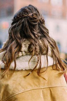 Image via We Heart It https://weheartit.com/entry/166667120 #hair #model #halfbun