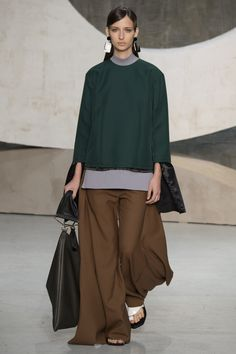 Marni Spring 2016 Ready-to-Wear Fashion Show - Waleska Gorczevski
