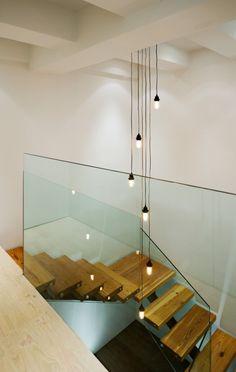 Landing glass wall - keep view open