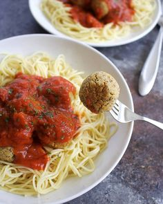 These vegan chickpea meatballs are a delicious vegan alternative to regular meatballs. Full of flavor and a great addition to your vegan Italian recipes! High Protein Vegan Recipes, Vegan Foods, Vegetarian Recipes, Vegan Chickpea Recipes, Easy Vegan Meatballs Recipe, Whole Food Recipes, Cooking Recipes, Diet Recipes, Healthy Recipes