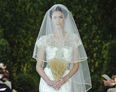 Nuestro vestido de la semana es el modelo Anastasia de Carolina Herrera, un diseño de su colección primavera 2014 especial para casarse en Navidad.