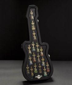 Si eres aficionado o coleccionista de Pin's, te invitamos a Hard Rock Cafe Madrid este domingo 21 de Abril, a las 10 am.