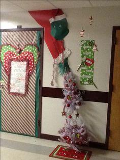 Classroom door contest Grinch