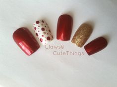 Red and Gold Christmas Nails  Holiday Fake by ClawsAndCuteThings