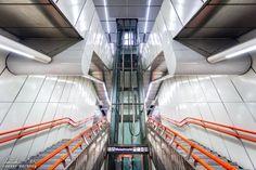 Wien: Die Ästhetik der U-Bahn - Reiseblog von Christian Öser U Bahn, Stairs, Central Station, Architecture, Stairway, Staircases, Ladders