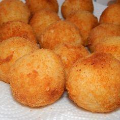 Arancini olasz rizsgolyó recept Vegetarian Recipes, Snack Recipes, Cooking Recipes, Hungarian Recipes, Italian Recipes, Good Food, Yummy Food, Arancini, Perfect Food