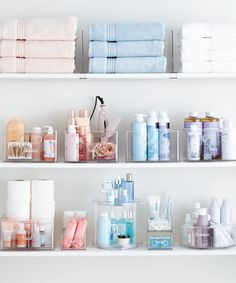 Here are a few tips and also inspiration to get your bathroom in excellent working order. See more ideas concerning Bathroom organization, Organization and Container store. Container Store, Container Design, Container Homes, Container Cabin, Cargo Container, Bathroom Organisation, Bathroom Storage, Storage Organization, Organized Bathroom