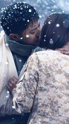 Jin Goo and Kim Ji-won Descendants of the sun Drama Korea, Korean Drama, Descendants Of The Sun Wallpaper, My Shy Boss, Decendants Of The Sun, Les Descendants, Bride Of The Water God, Sun Song, Song Joon Ki