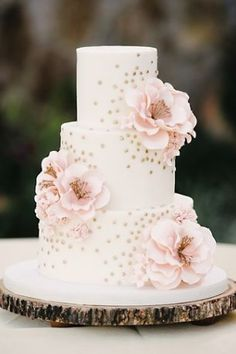 Wedding cake idea; Featured Photographer: Sunglow Photography