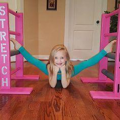 Look what I found under my Christmas tree! Who else stretches on Christmas? Dance Moms Minis, Dance Moms Dancers, Dance Poses, Amazing Gymnastics, Gymnastics Videos, Lilliana Ketchman, Dance Moms Season 8, Dance Photo Shoot, Little Girl Leggings