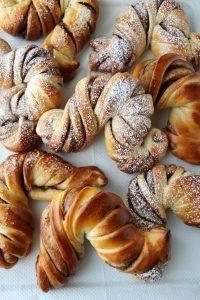 Kardemommestang - krem.no Bagel, Nutella, Baking Recipes, French Toast, Food And Drink, Vegetarian, Dessert, Bread, Breakfast