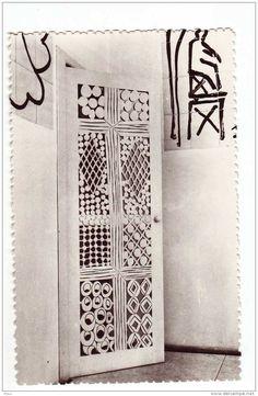 door  (HENRI MATISSE , CHAPELLE DU ROSAIRE, VENCE (06), PORTE DU CONFESSIONNAL)