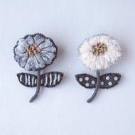 petit flower 刺繍 ブローチ no.3の画像