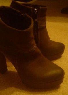 Kup mój przedmiot na #vintedpl http://www.vinted.pl/damskie-obuwie/botki/10838632-brazowe-botki-na-slupkuplatformie-38-39