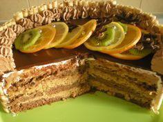 Recept za ukusnu Bajadera tortu od Torte i kolači Ivanka. Sastojci za biskvit: 8 jaja 8 žlica šećera 3 žlica kakaa 5 žlica brašna 1/2 kesice praška za pecivo Umutiti žumanjke sa šećerom i kada smjesa postane pjenasta dodati ostale sastojke i snijeg od bjelanjaka. Peći u kalupi promjera 26 centimetara. Kada se biskvit [...]