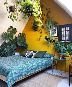 makes any space brighter, more creative and . some genius ways to decorate with yellow walls living room kitchen bedroom Bedroom Green, Home Bedroom, Bedroom Wall, Diy Bedroom Decor, Home Decor, Yellow Bedroom Paint, Bedroom Ideas, Decor Room, Teen Bedroom