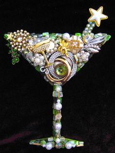 Holiday Spirits Martini Glass Vintage Jewelry by ArtCreationsByCJ Costume Jewelry Crafts, Vintage Jewelry Crafts, Recycled Jewelry, Button Art, Button Crafts, Jewellery Storage, Jewellery Display, Jewelry Tree, Jewelry Ideas