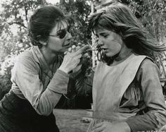 """""""The Miracle Worker"""" with stellar performances by Patty Duke as Helen Keller and Anne Bancroft as her devoted teacher, Anne Sullivan. I LOVE this movie! Anne Bancroft, Best Classic Movies, Good Movies, Awesome Movies, Classic Tv, Helen Keller, Patty Duke Show, Arthur Penn, The Miracle Worker"""